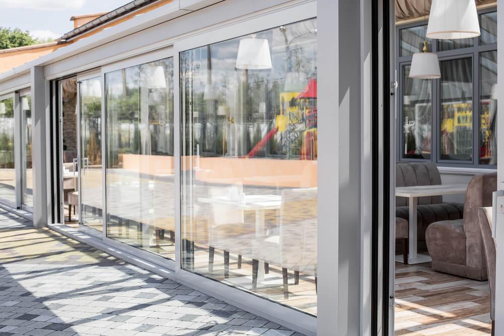 shutterstock_440589517-glazing